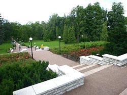 Аллея парка Екатеринталь (Кадриорг) в Таллине